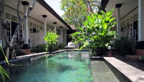 Little Pond Homestay Pool