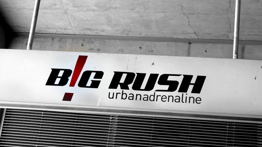 Big Rush Urban Adrenaline - World's Tallest Bungee Swing