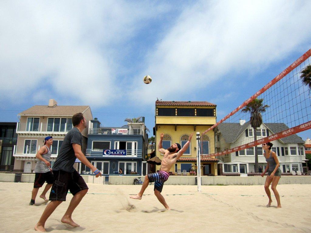 Beach volleyball hermosa beach