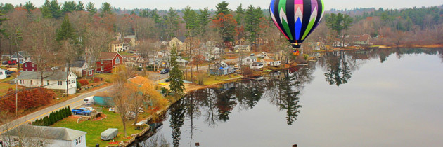 PHOTO: Incredible Hot Air Balloon Reflections