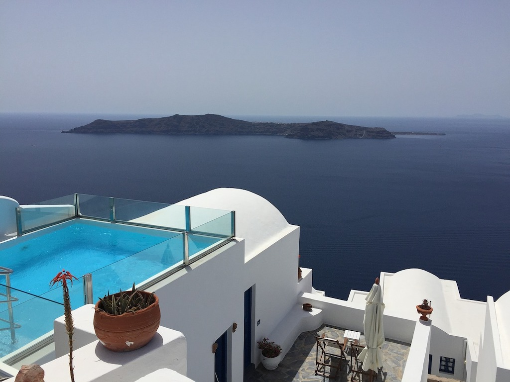 Santorini roof pool