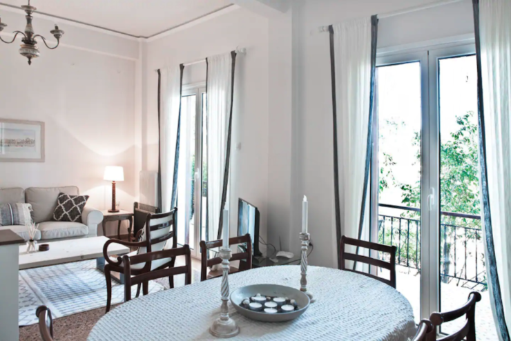 Modern Downtown apartment- Aegina Lux