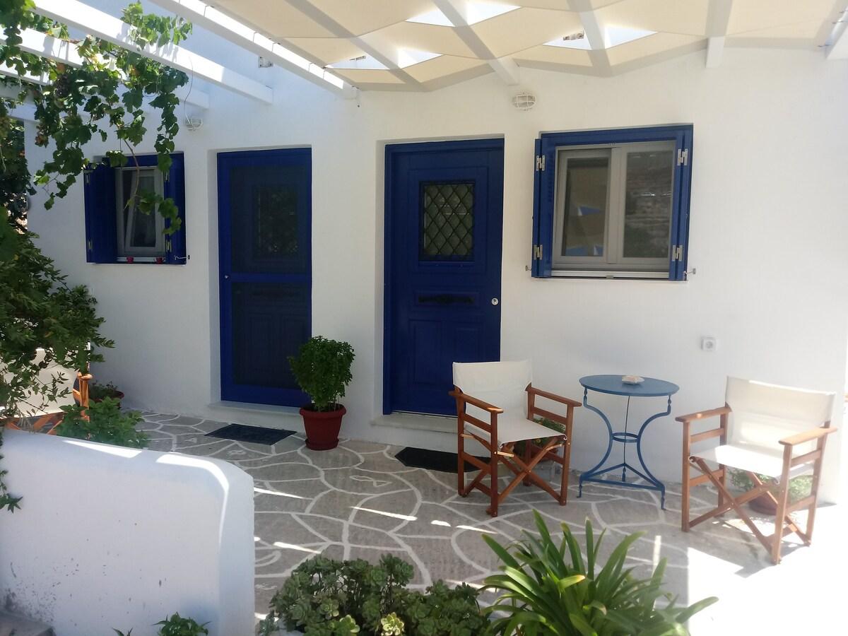 Flora Psathi Studio in Kimolos
