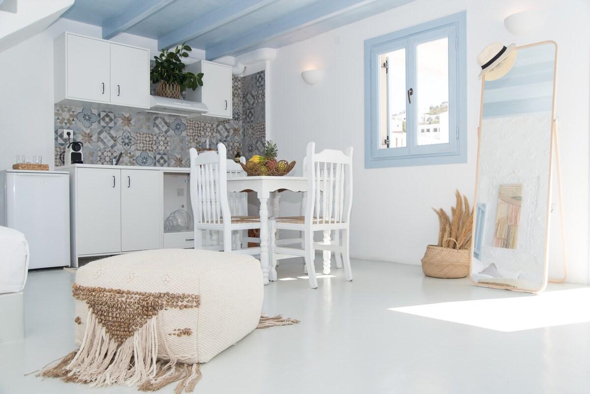 Grey Apartment in Skala Patmos