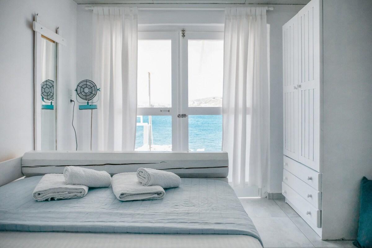 Kimolos Ocean-front Studio