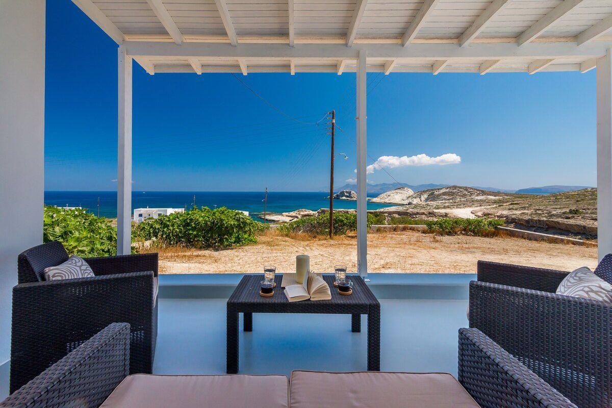 Mandrakia Villa With a Pool in Milos