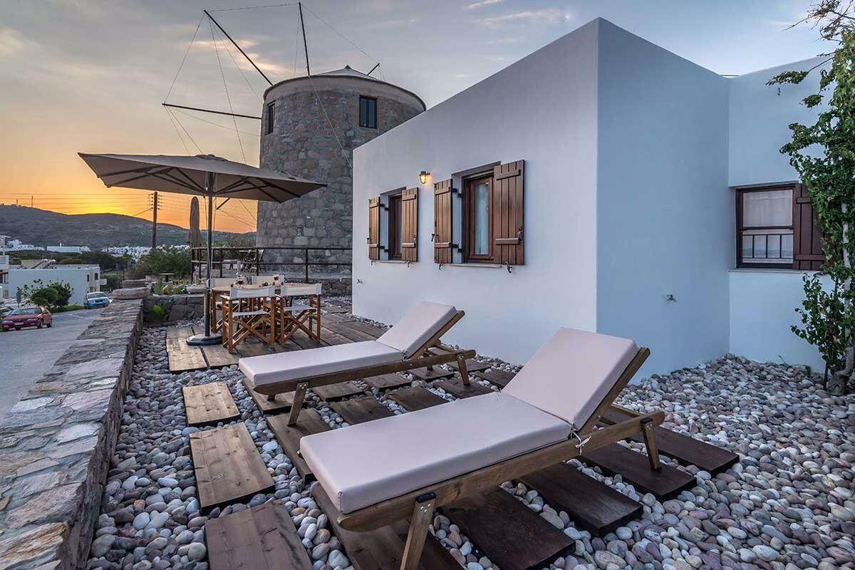 Milos Seaside Bungalow