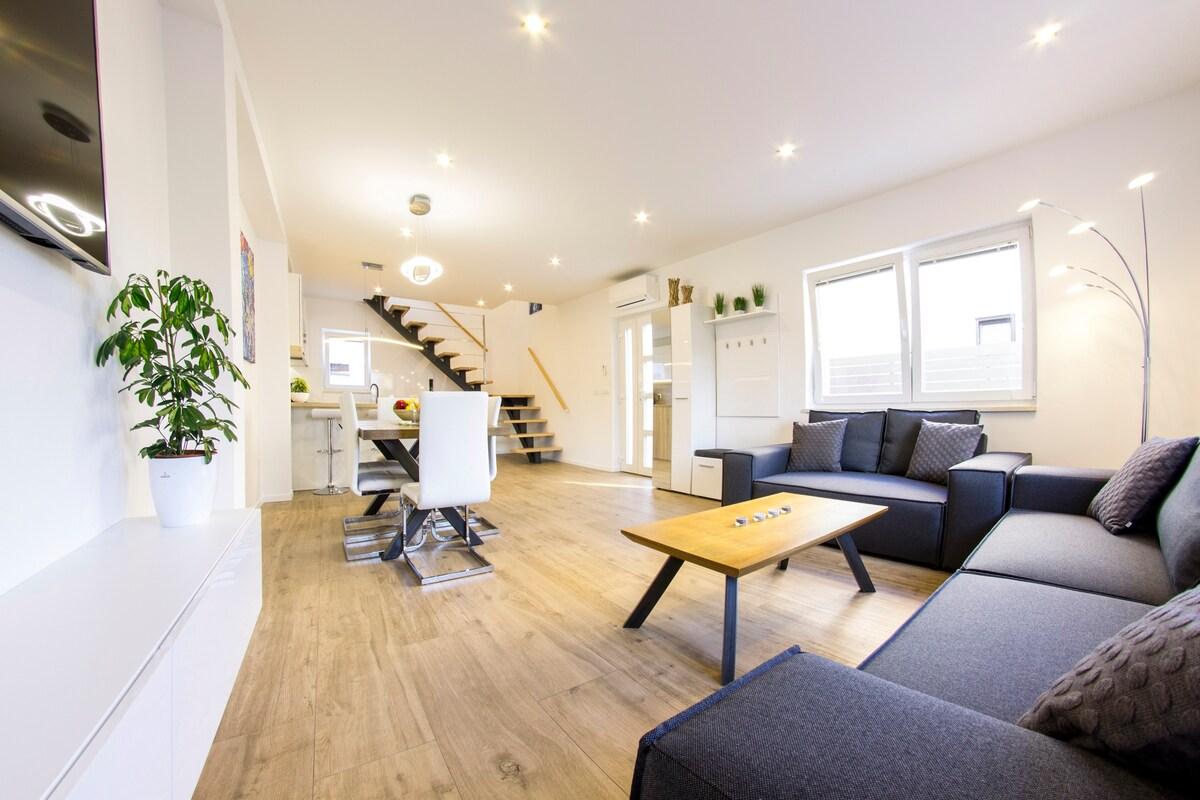 Modern Rovinj Two-Floor Apartment