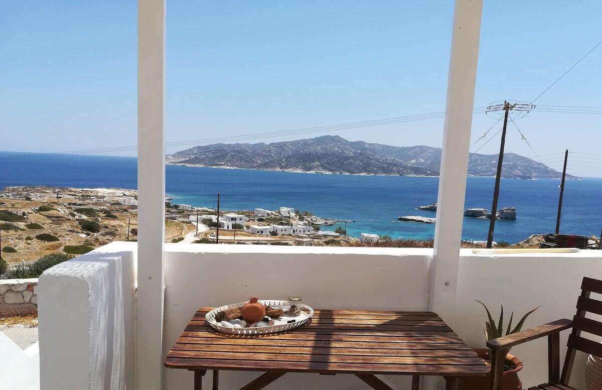 Ocean-view Apartment in Kimolos