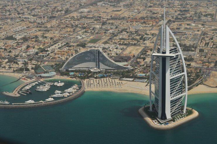 How can I get Dubai citizenship?